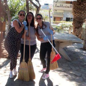 - Σκούπα και φαράσι - καθαρίζουμε την πόλη!