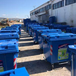 Ξεκίνησε η τοποθέτηση των 100 νέων μπλε κάδων στο Ηράκλειο